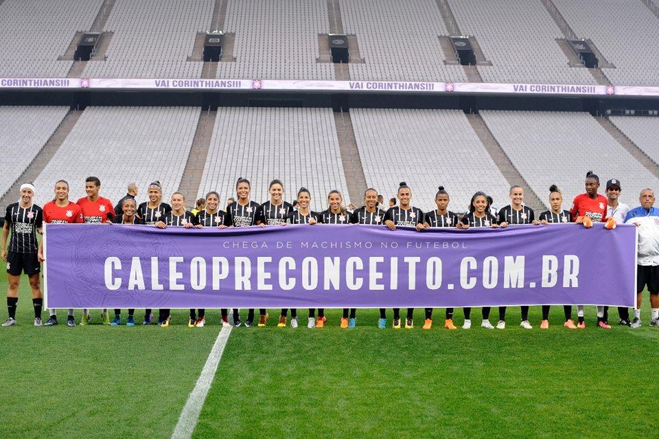 Campanha feita pelo Corinthians para o time feminino (Foto  Divulgação) dfc52a4d3f070