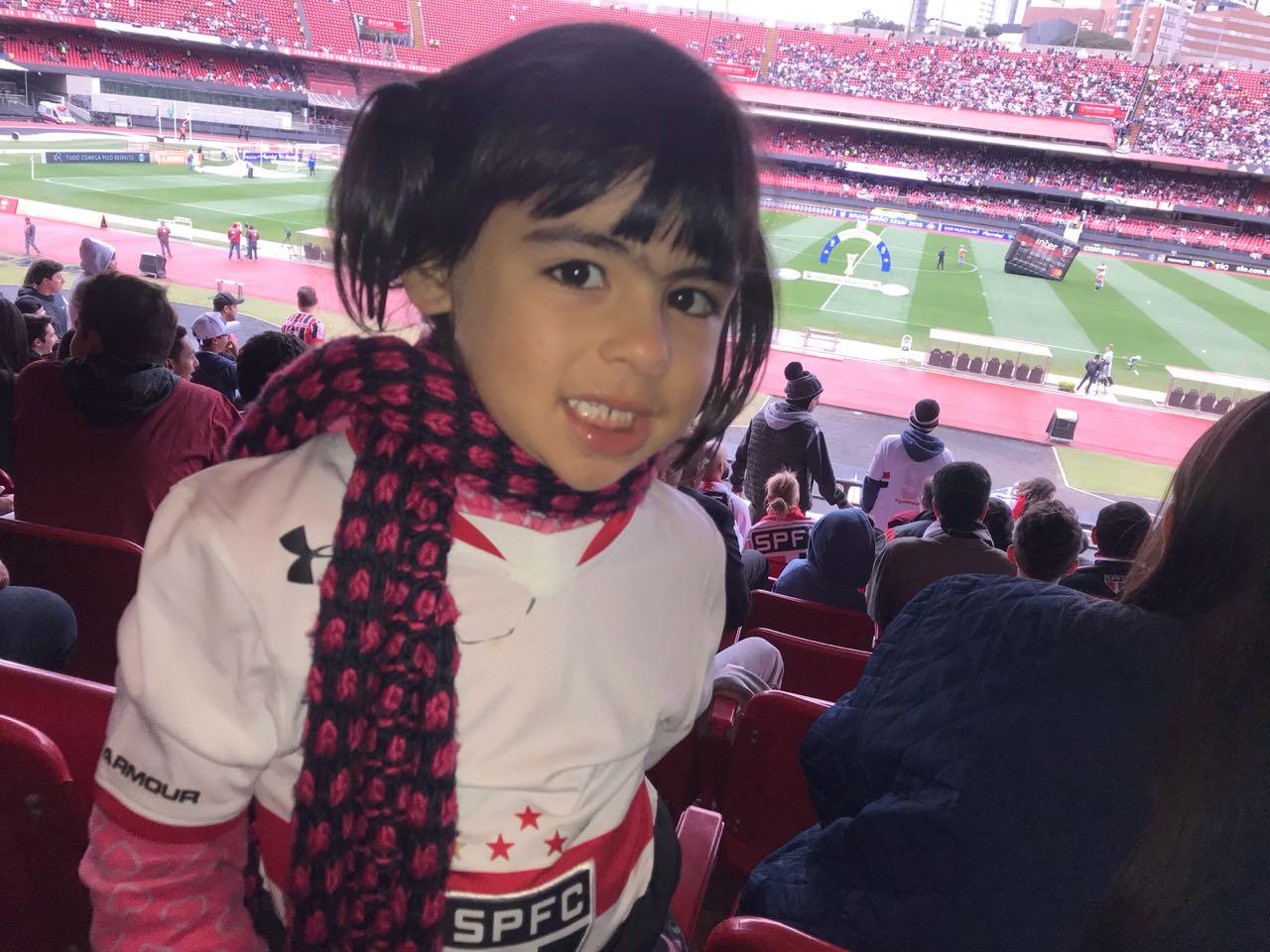 A experiência do futebol pelos olhos de quem foi ao estádio pela 1ª ... d0550e1fe4d2d
