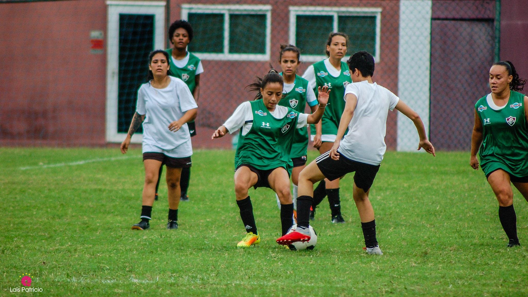 Peneira do Fluminense atraiu quase mil mulheres (Foto  Laís  Patrício Divulgação Fluminense) bf86685ceb6ee