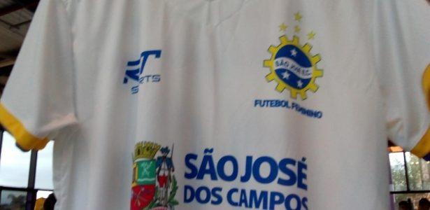 df98d07620 O clube de futebol que estampou na camisa as conquistas das mulheres - UOL  Esporte