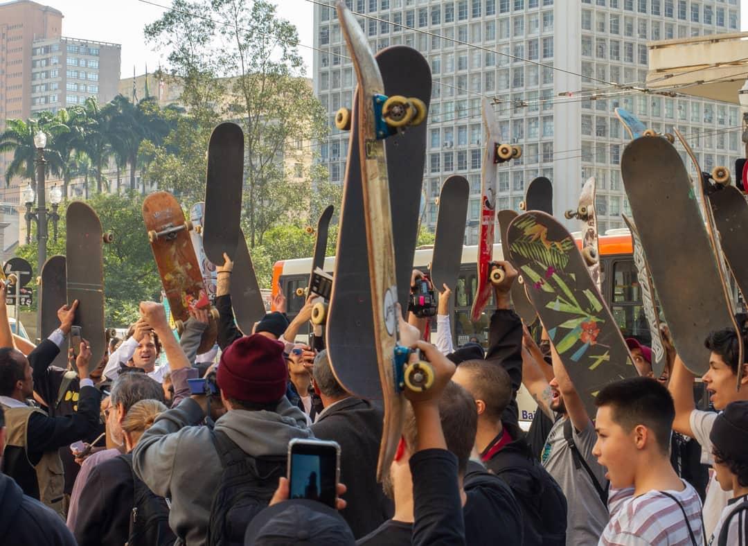 b8eb04f1 Skatistas pedem #SalveOVale do Anhangabaú, patrimônio do skate nacional