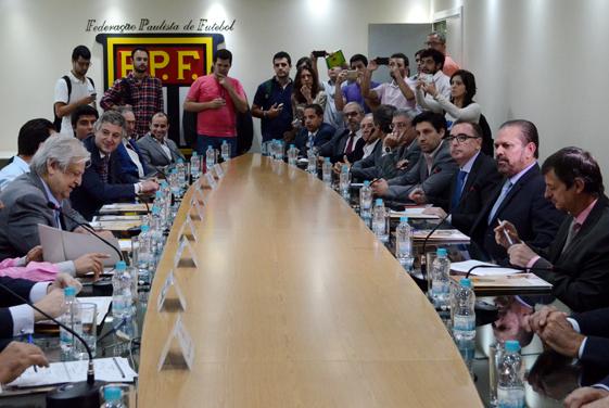 Reunião entre FPF e clubes na quinta-feira definiu horários de jogos (Crédito: Rodrigo Corsi/FPF)