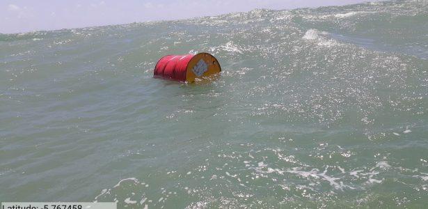 Desastre no litoral do NE | Laudo da UFS sugere que barris estão ligados a causa do vazamento de óleo