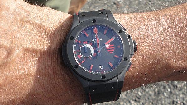 6e2e3c39ddb Luxa paga R  42 mil no relógio número 2 da coleção pelos 30 anos do ...