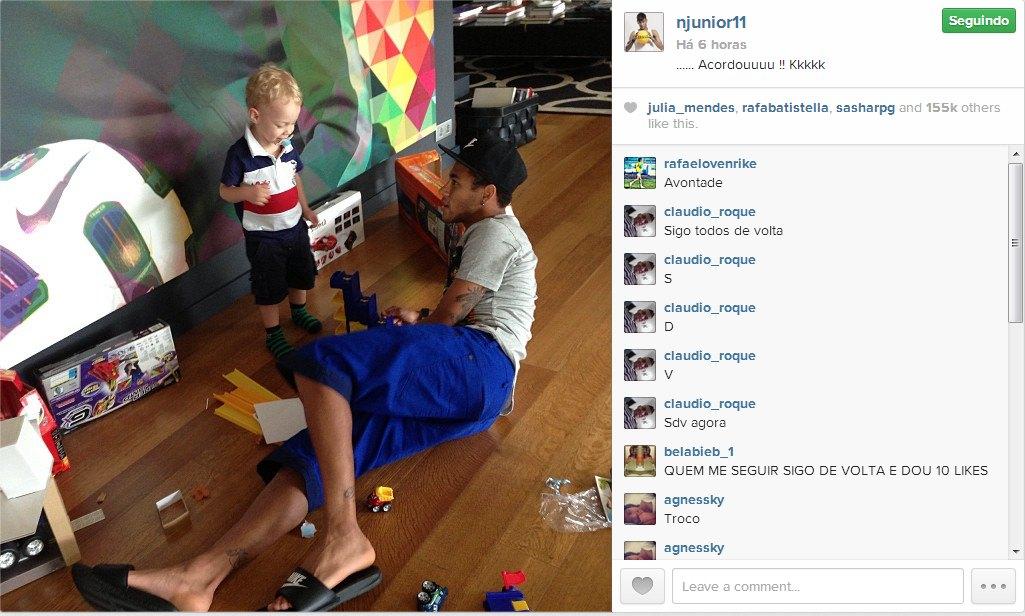 Filho de Neymar visita craque em Barcelona pela primeira vez - 20 09 ... 7bc46218a1154