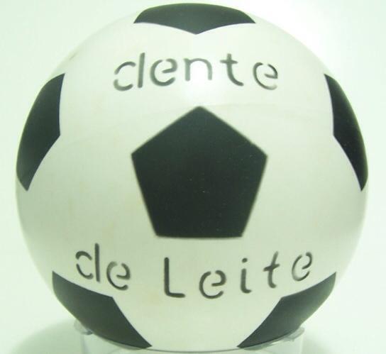97df3191f3245 8 bolas de futebol famosas na infância