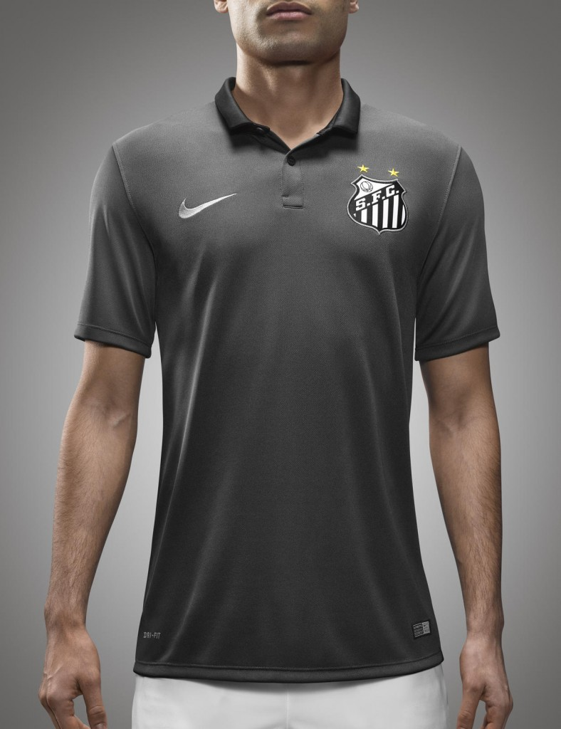 FY15_FB_Brasil_Santos_Home_Hero_0376_native_1600 (1)