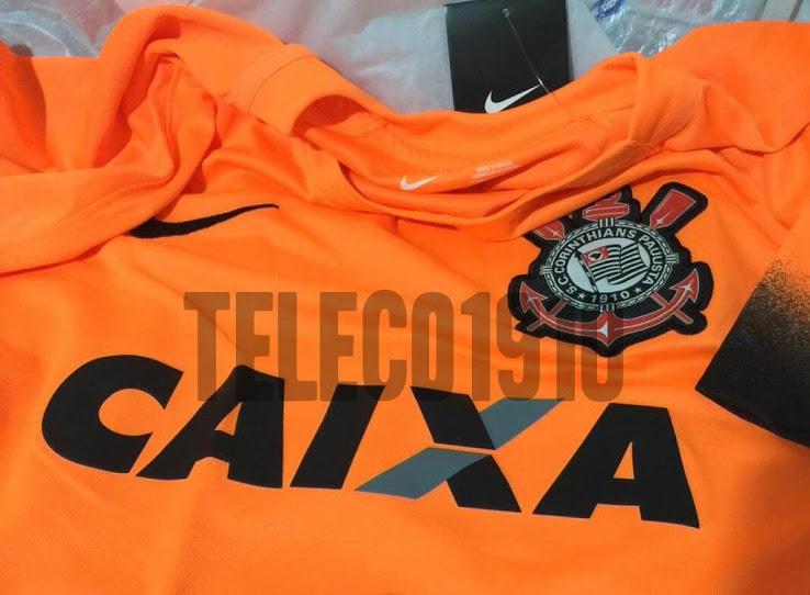 É laranja! Site mostra novo terceiro uniforme do Corinthians - 20 07 ... b2ec92f97b348