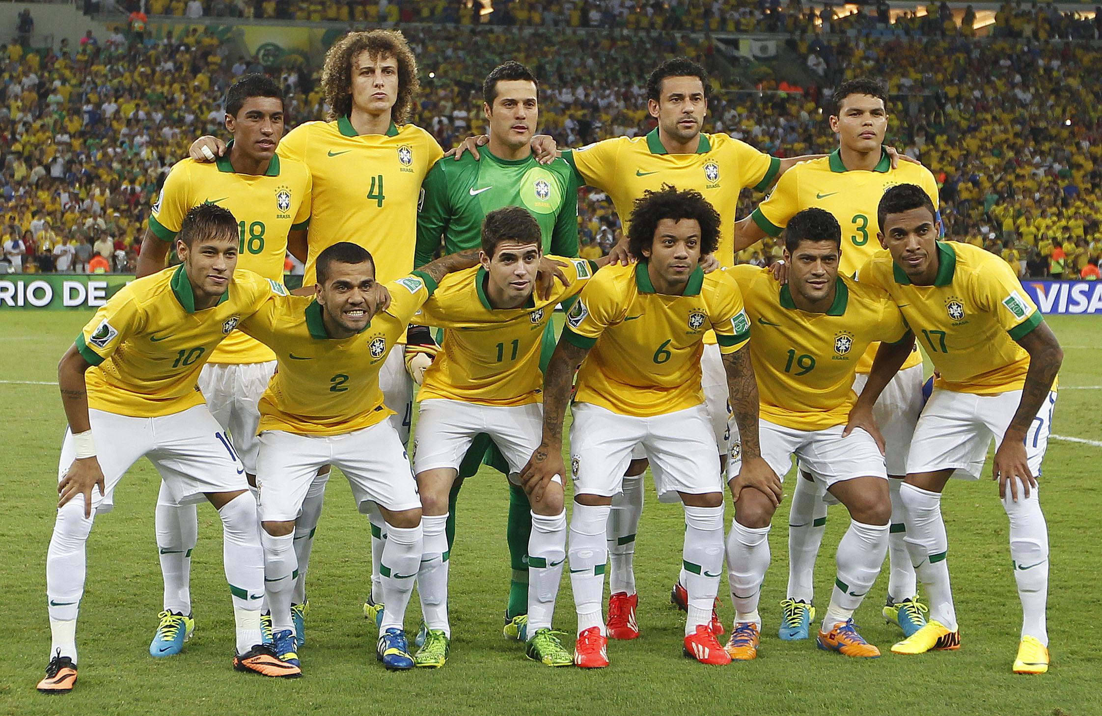 5647aa606e 11 diferenças entre a seleção brasileira dos anos 90 e a atual - 20 ...