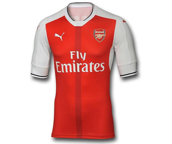 O modelo com listras verticais lançado pelo Arsenal para a próxima  temporada ainda está na pré-venda 2e97a4b80e9ba