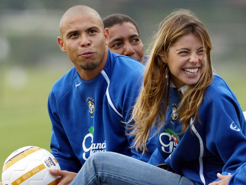 Ronaldo com Cicarelli em treino da seleção. Foto: Bruno Domingos/Reuters