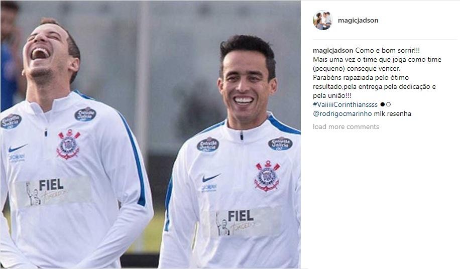 O meia Jadson aproveitou para cutucar os críticos em um post no Instagram.  Em uma postagem de comemoração à vitória sobre o Palmeiras 038e76a5881e5
