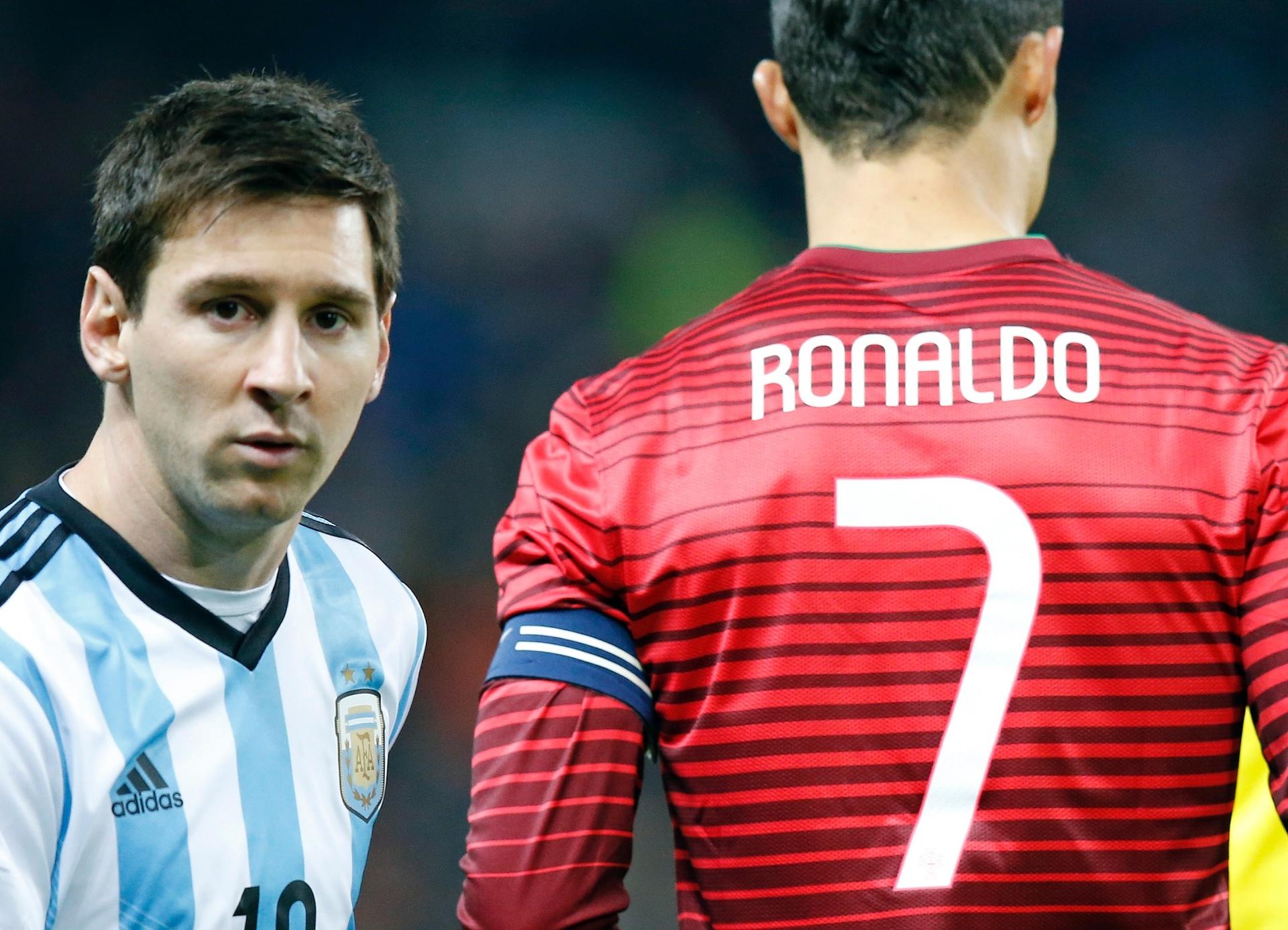 Messi ou CR7  Tem goleada! Veja quem o Fifa considerou melhor ano a ... 945e375f7b894