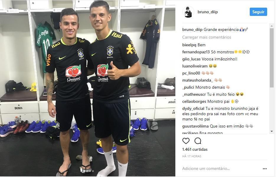 Em outra foto postada por um jogador das categorias de base do São Paulo  que completou o treino com a seleção também foi possível ver a camisa  alviverde no ... fd1f99cd5d4b4