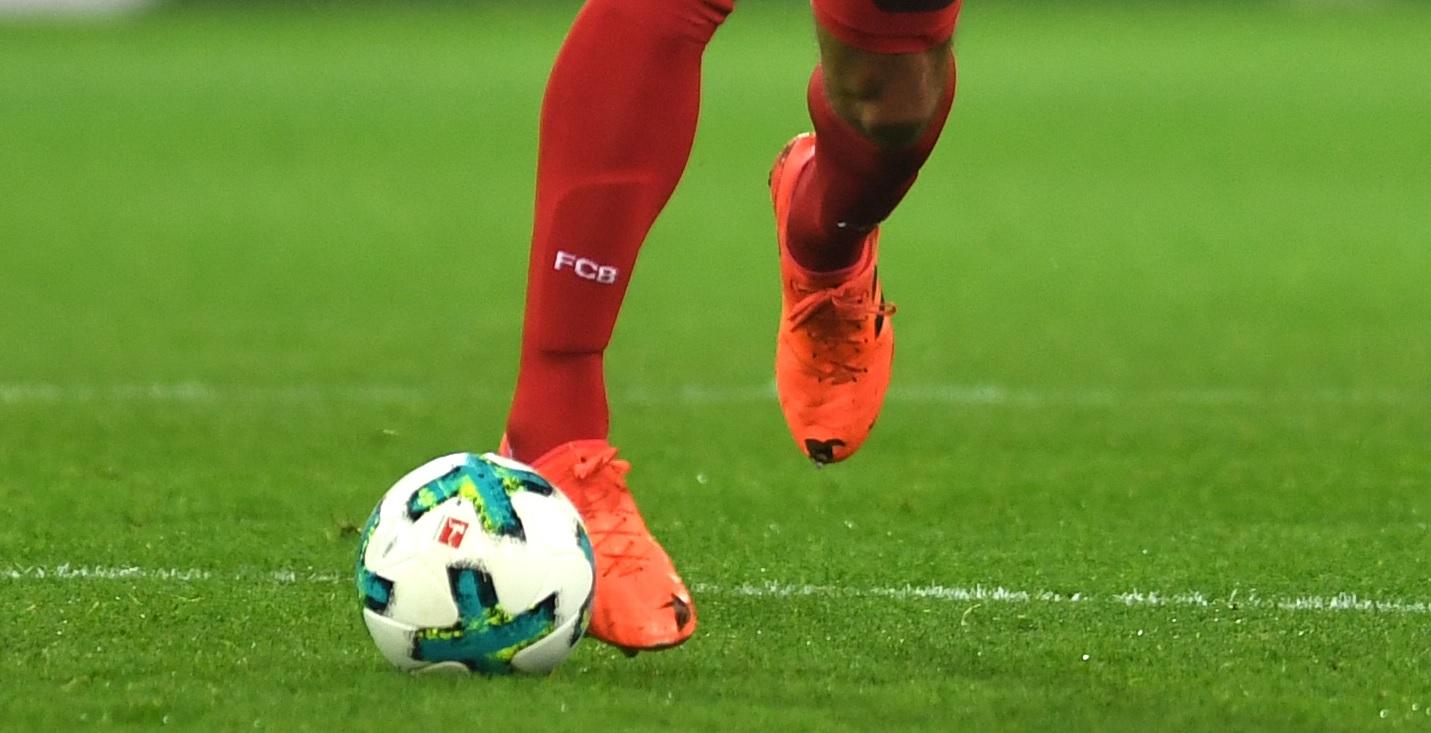 Mats Hummels chamou atenção na vitória do Bayern de Munique por 3 a 1  contra o Borussia Dortmund 463f12121d432