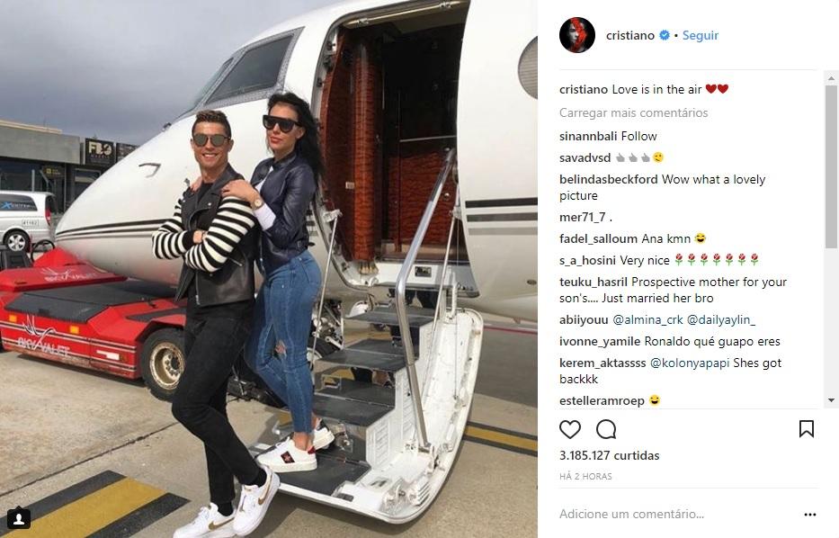 9bf85bbf5da2c Cristiano Ronaldo ostenta avião com namorada: