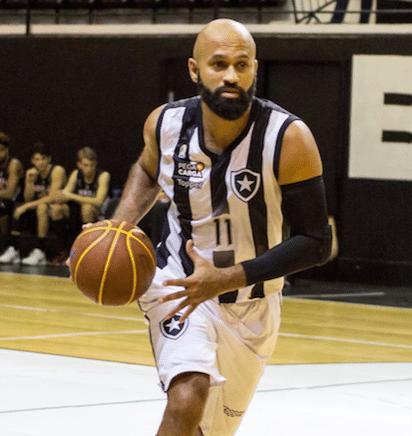 O fator Arnaldinho que pode ajudar o Botafogo na reta final do NBB ... cf99470b8a249