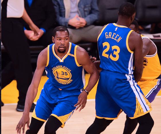 8f0e370a0 Warriors leva surra do Rockets no primeiro jogo após Durant e Green   ficarem de bem