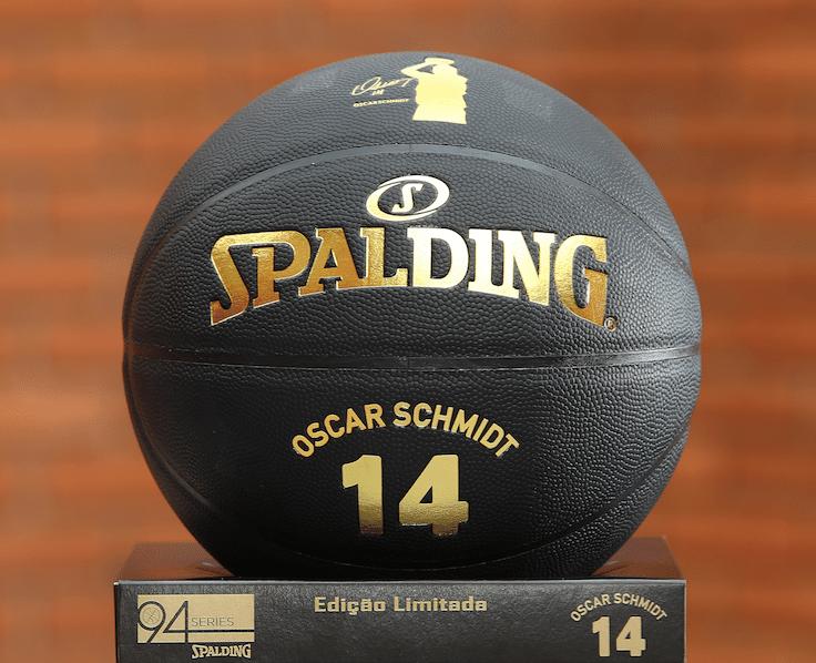 3bcd973bf Oscar completa 61 anos e ganha edição limitada de bolas em sua ...