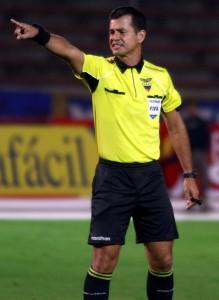 O equatoriano Carlos Vera vai apitar a segunda semifinal da Sul-Americana entre São Paulo e Ponte