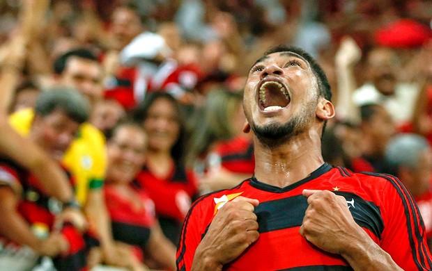 O artilheiro Hernane 'Brocador' marcou o 34º gol dele na temporada