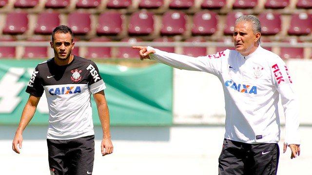 Renato Augusto está esperando exame para saber se jogará contra o Coxa