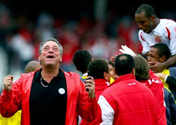 Técnico conquistou a Libertadores e o Mundial pelo Inter em 2006