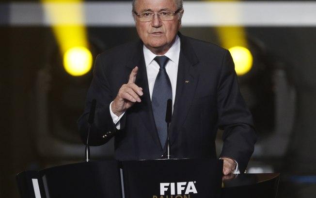 Presidente da Fifa gosta de aparecer mais que os jogadores