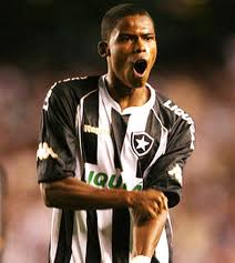 Meia jogou pelo Botafogo entre em 2009 e 2012