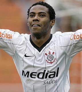 Elias jogou no Corinthians entre 2008 e 2010