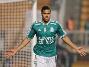 Alan Kardec é artilheiro do Palmeiras no Paulistão