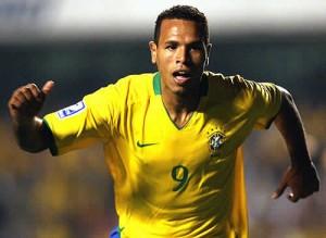 Luis Fabiano fez 28 gols em 45 jogos pela Seleção