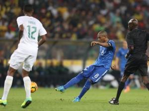 Fernandinho foi bem no teste e marcou um golaço
