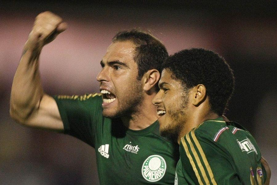 Bruno César e Leandro fizeram a jogada do único gol da vitória do Palmeiras