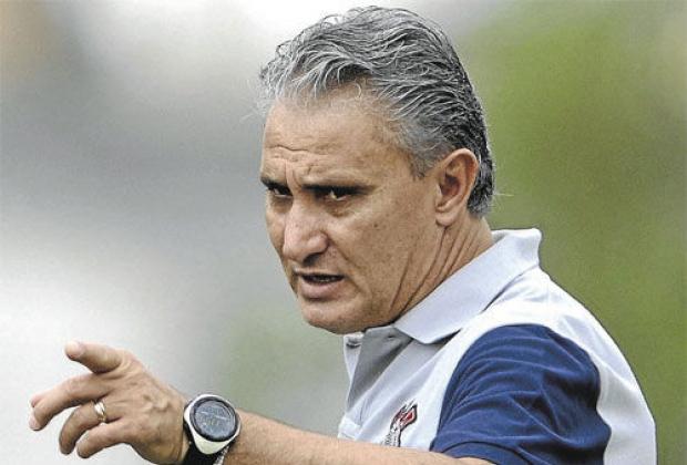 Tite foi campeão mundial com o Corinthians em 2012