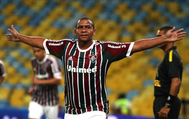 Atacante está insatisfeito com a reserva no Fluminense