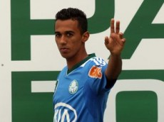 Lateral Juninho deve dar adeus ao Palmeiras