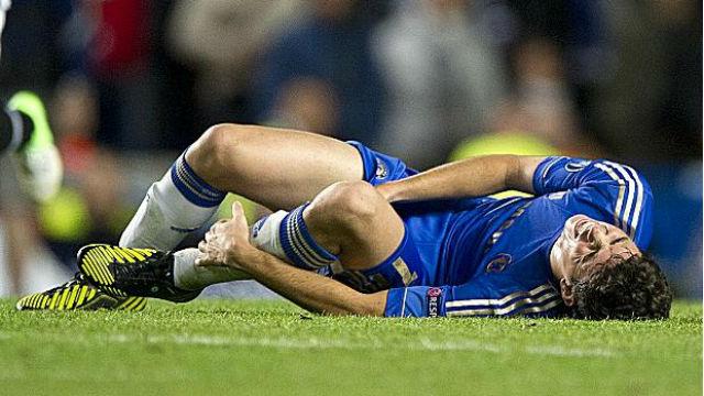 Oscar perdeu lugar no Chelsea por causa de lesão