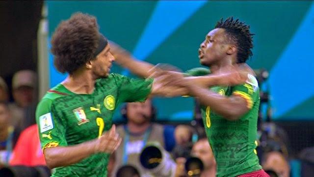Camaroneses brigam durante jogo contra a Croácia