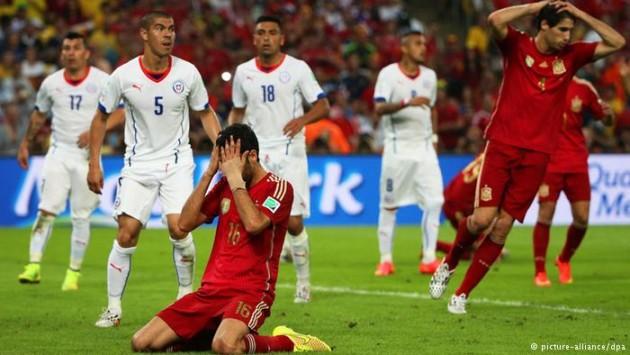 Espanhóis se desesperam com eliminação na Copa