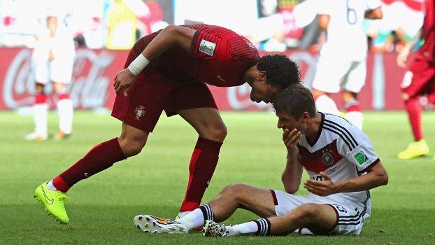 Infantil, Pepe foi expulso após cabeçada em Thomas Müller