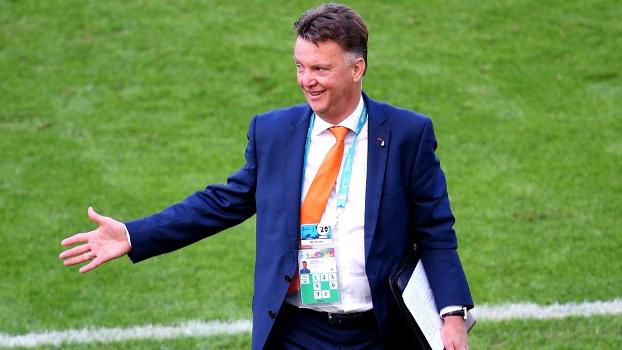 Treinador ajudou a garantir a Holanda nas quartas da Copa
