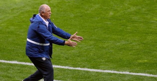 Treinador se mostrou perdido no comando da Seleção