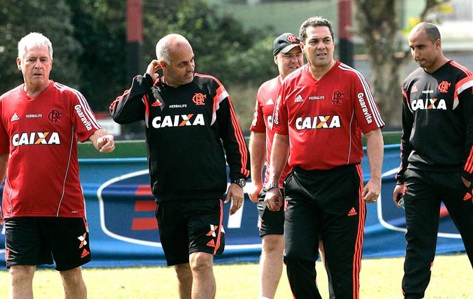 Luxa e sua comissão técnica de volta ao Flamengo