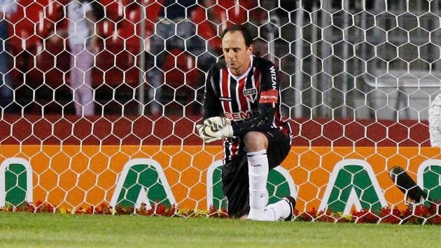 É difícil imaginar o futebol sem Rogério Ceni no gol do São Paulo