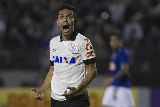 Petros pode ser punido pelo STJD por agredir árbitro