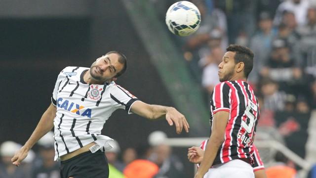 Danilo foi fundamental para a vitória corintiana no clássico de domingo