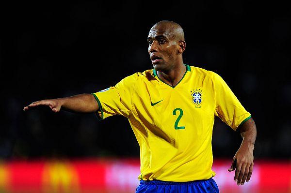 Maicon foi titular da lateral da Seleção nas duas últimas Copas do Mundo