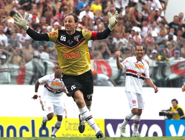 Rogério Ceni tem mais de 1000 jogos e 100 gols pelo Tricolor