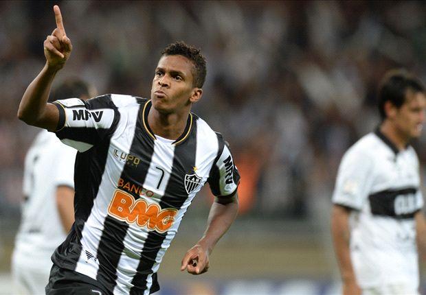 Fundamental na conquista da Libertadores, Jô foi afastado do Galo por indisciplina